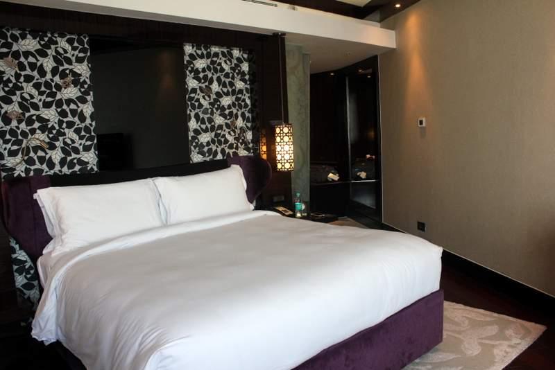 sofitel mumbai bkc, sofitel sospa review, sofitel hotels mumbai, sofitel hotel booking review, sofitel hotel tripadvisor, thegirlatfirstavenue travels, sofitel mumbai luxury king room