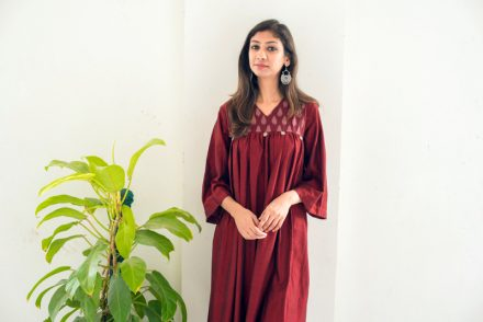 summer ootd, summer outfit ideas, midi dress for summer, indian fashion blog, indian fashion blogger, spoylapp dress, maroon midi dress